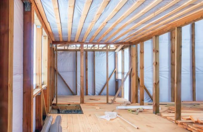 Koud plat dak isoleren met daarbovenop een dampscherm